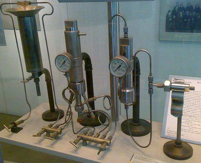 Photo of Fritz Haber lab equipment used to synthesize ammonia for Cloverly blog post about ammonia as a sustainable fuel